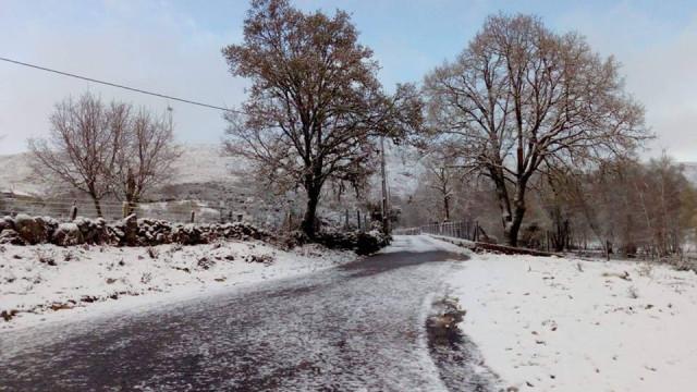 Inverno, és tu? Queda de neve pintou país de branco. E é para continuar