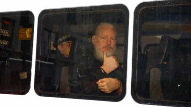 Mike Pompeo diz que fundador do WikiLeaks vai ser extraditado para os EUA