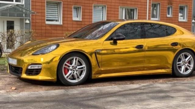 Porsche dourado foi considerado um perigo para outros condutores