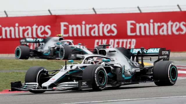 Mercedes (mais uma vez) com domínio total. Hamilton vence o GP da China