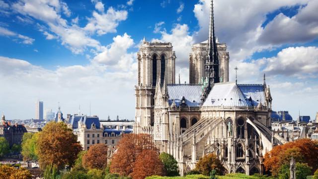 Relembre a beleza icónica da catedral de Notre-Dame