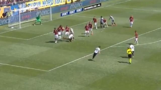 O golaço de Bruno Alves que deu o empate ao Parma frente ao AC Milan