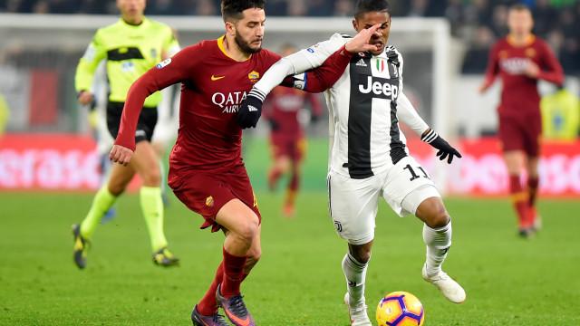 Nápoles e Roma vão trocar jogadores numa operação de quase 50 milhões
