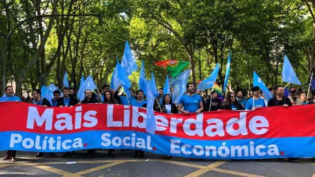 """""""Socialismo impede que se cumpram valores de Abril"""", diz Ricardo Arroja"""