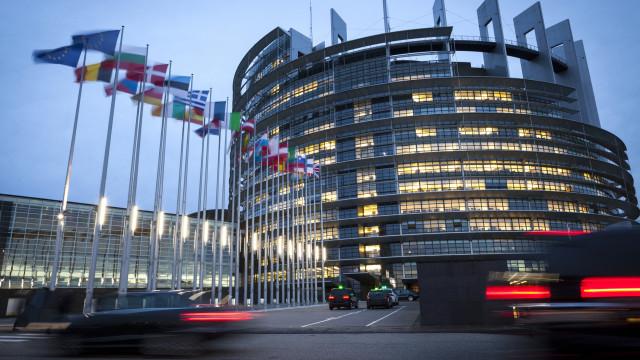 Onze estados-membros vão concorrer às Europeias com quotas para paridade