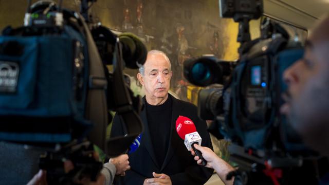 """Parlamento avança para queixa contra Berardo por """"crime de desobediência"""""""