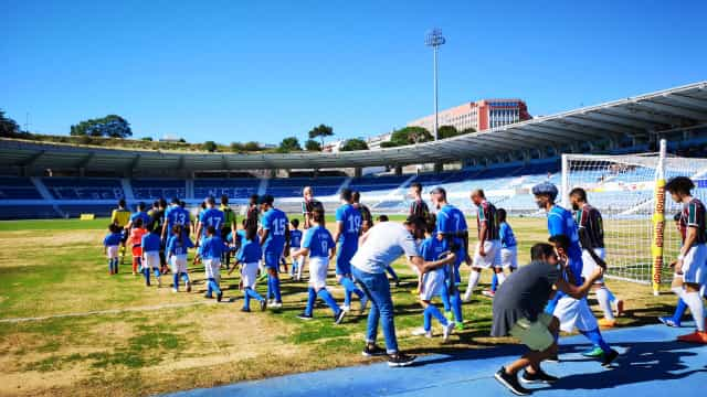 Belenenses goleou o Estrela da Amadora num jogo que parecia de I Liga