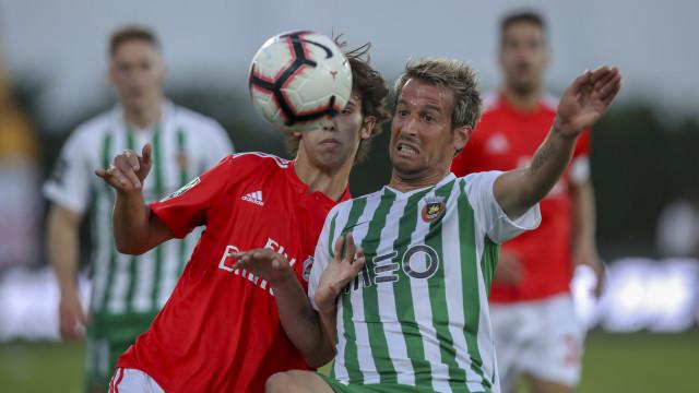 """Coentrão 'atira-se' ao Benfica: """"Sigam a vida deles que eu sigo a minha"""""""