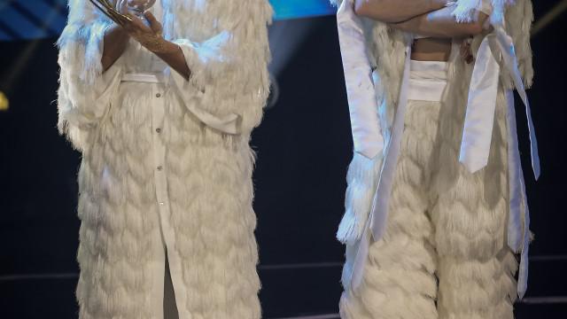 Eurovisão: Conan Osíris e João Moreira 'dão tudo' na passadeira vermelha