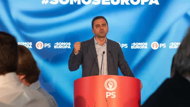Pedro Marques no metro destaca passes sociais com professores pela frente