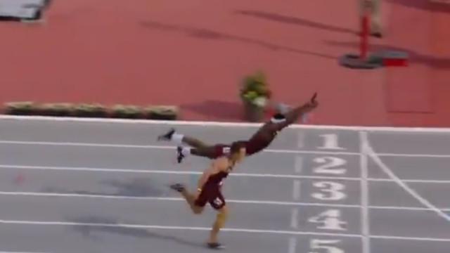Super-Homem? Norte-americano venceu uma corrida a 'voar'