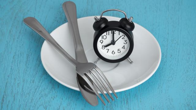 O que acontece ao corpo quando faz jejum por 20 horas durante 30 dias