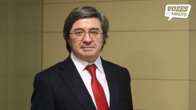 """""""Políticos trabalham para telejornal do dia seguinte e não a estratégia"""""""
