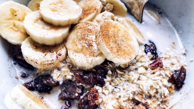 Superpoderes: Por que deve consumir mais banana com aveia