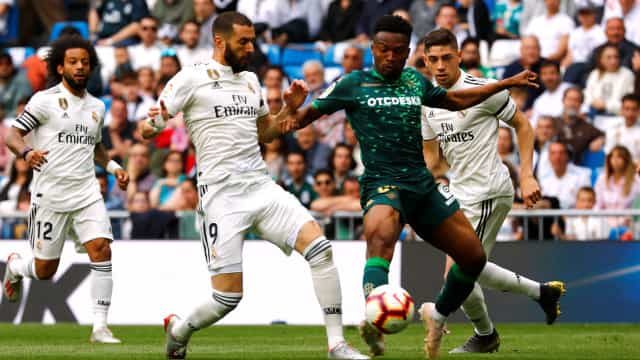 Real Madrid ardeu até ao fim. Betis de William 'incendiou' o Bernabéu