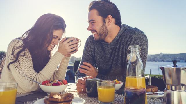 Os três alimentos que deve mesmo evitar comer ao pequeno-almoço