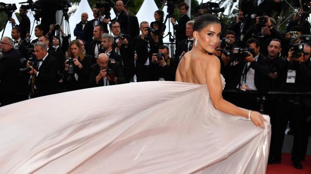 Após estadia em Lisboa, Camila Coelho arrasa no Festival de Cannes