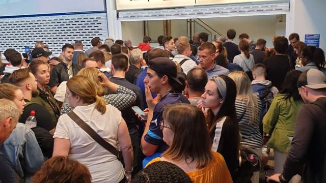 Caos no aeroporto de Manchester pelo segundo dia após corte de energia