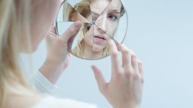 Esquizofrenia: Oito sintomas indicadores da patologia psiquiátrica