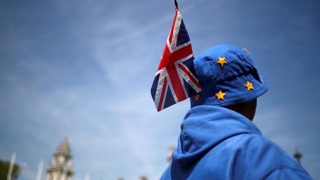 """EUA """"apoiam entusiasticamente"""" Brexit mesmo sem acordo"""