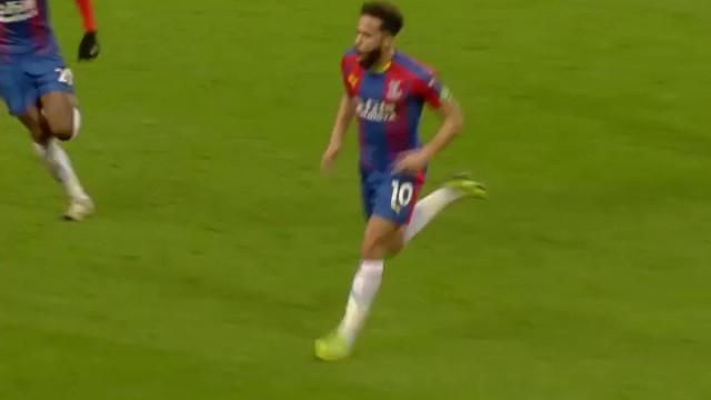 Bomba de Townsend frente ao City eleito golo do ano na Premier League