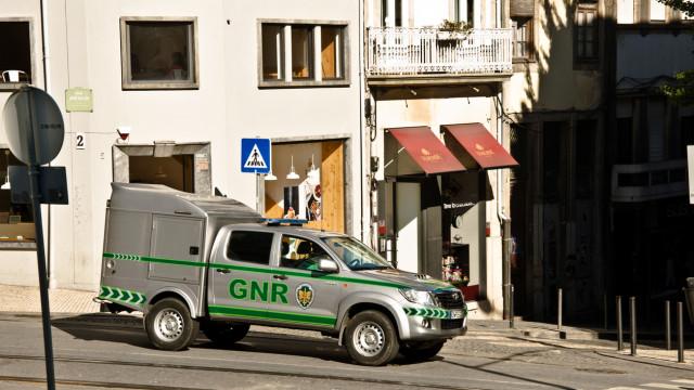 Preventiva para GNR aposentado que agrediu a mulher e agentes da PSP