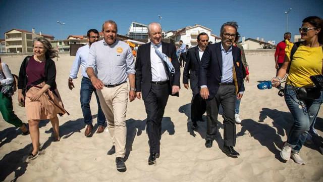 Rio e Rangel foram à praia de fato e até Santana 'pairou'