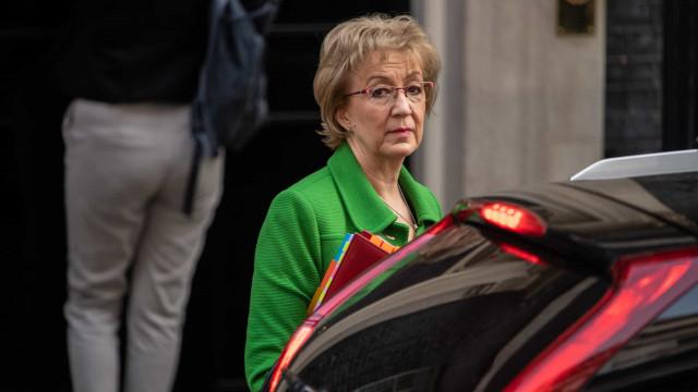 Andrea Leadsom é a mais recente demissão no governo de May