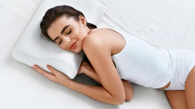 Eis o que a posição que escolhe para dormir diz sobre a sua personalidade