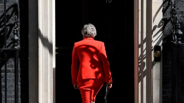 Há dez candidatos confirmados à sucessão de Theresa May nos conservadores