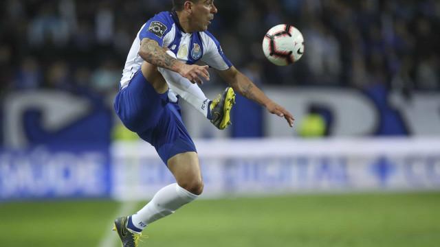 Maxi Pereira muito perto de ser reforço do Boavista