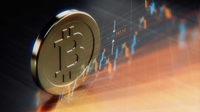 Bitcoin volta a dar que falar. Está em máximos de um ano