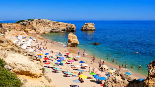 Mergulhe nas mais belas praias de Portugal
