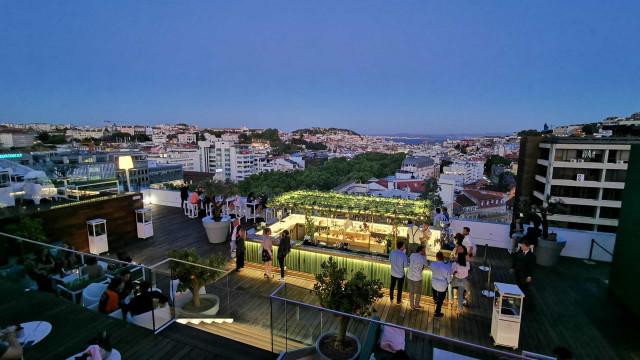 Noites de verão no rooftop. Sky Bar by SEEN apresenta novo conceito
