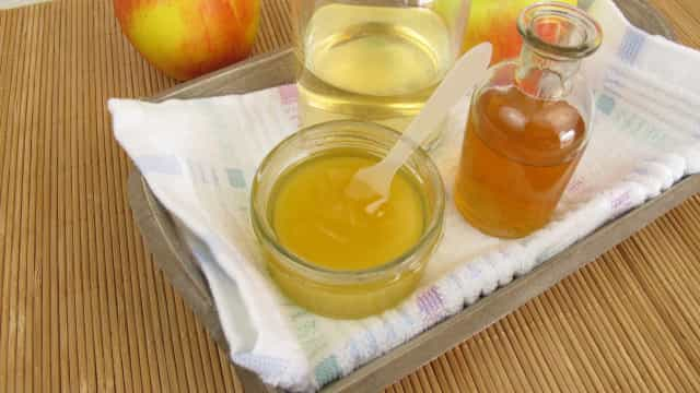 Nove benefícios de beber vinagre de maçã e mel em jejum (e como preparar)