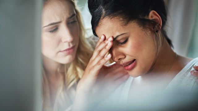 À beira de um ataque de nervos: Dez sinais que está a sofrer de burnout