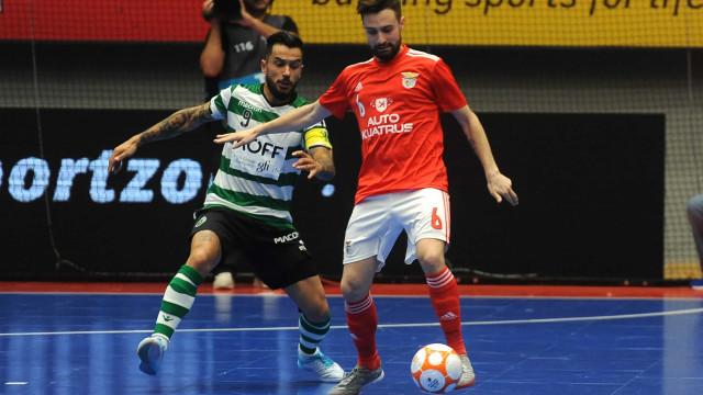 Benfica 'afunda' o leão na Luz e passa para a frente da final do play-off