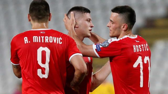 Caminhada para o Euro: Sérvia 'atira' Portugal para penúltimo do grupo
