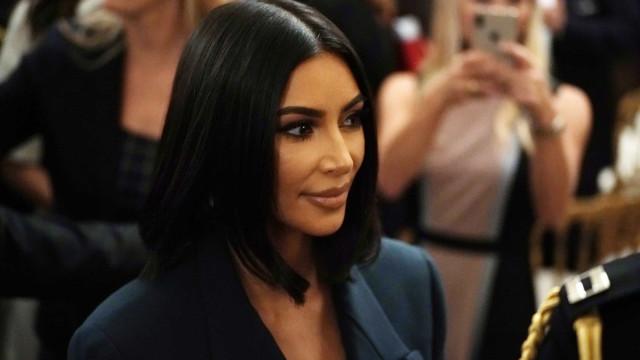 Assim era Kim Kardashian na década de 1990 (muito diferente de hoje)