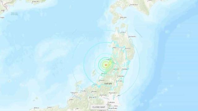Japão pede a residentes da zona de alerta de tsunami que abandonem casas