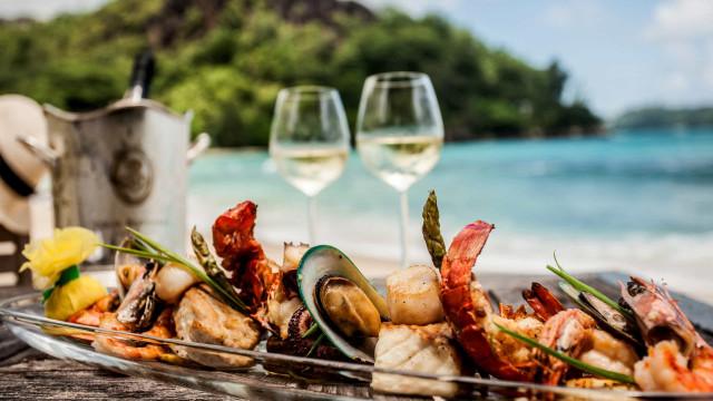Adegga Festival vai à praia com barbecue de marisco e os melhores vinhos
