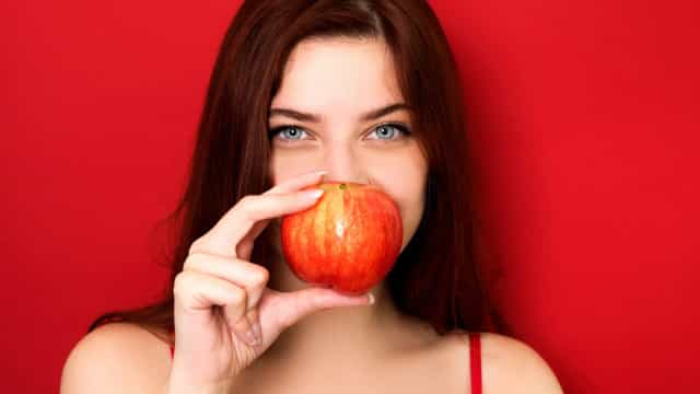 Dez superalimentos que ajudam a controlar a fome e a fechar a boca