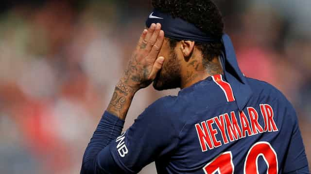 Le Parisien: PSG deu primeira nega ao Barcelona por Neymar