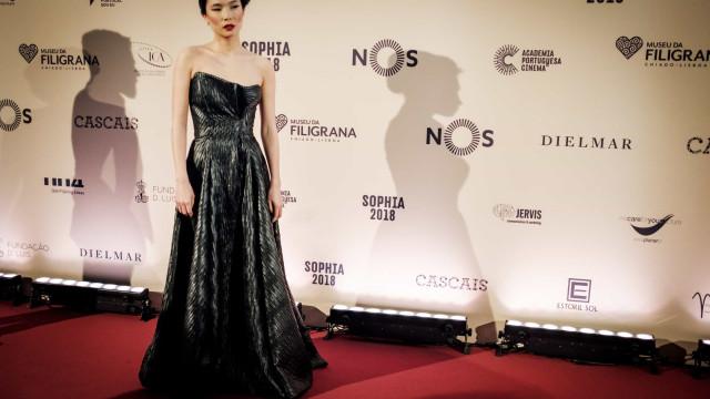 Atriz Jani Zhao anuncia estar grávida