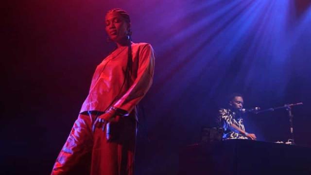 Artista Luedji Luna canta a mulher negra em estreia em Portugal