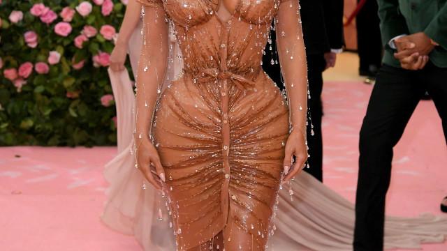 "Kim Kardashian sobre look da Met Gala: ""Nunca senti tantas dores"""