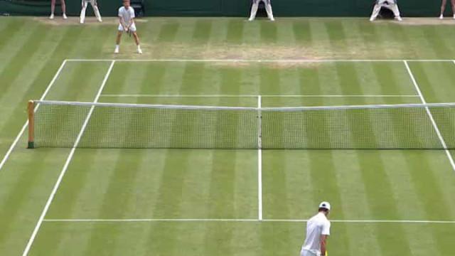 Djokovic e Goffin protagonizam um dos pontos do ano em Wimbledon