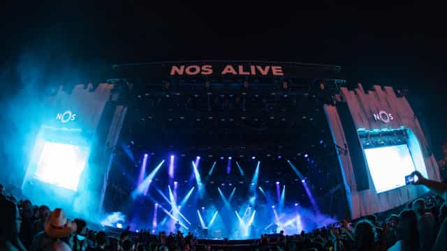 Alive prossegue hoje com Vampire Weekend, Gossip, Grace Jones e Cut Copy