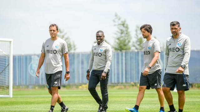 Manafá apto no treino do FC Porto na véspera de particular com Betis