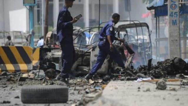 Cerco a hotel na Somália termina com pelo menos 12 mortos e 30 feridos